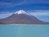 Wulkan Licancabur przy jeziorze Laguna Verra, Altiplano, południowo-zachodnia Boliwia, 19 III 1999